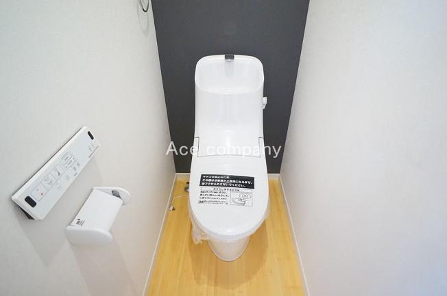 トイレ一式新調☆シャワートイレです☆