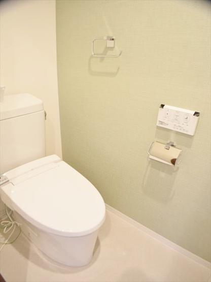 温水洗浄機能付トイレも新規交換につき快適にお使いいただけます