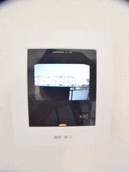 安心のカメラ付インターホン完備