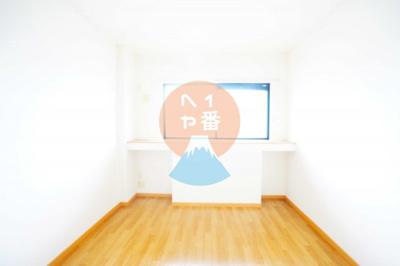 清潔感がありますね。LDK11.9帖のお部屋※他のお部屋の参考写真です