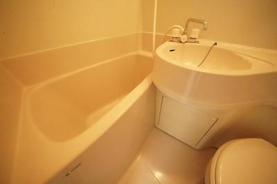 【浴室】セブンスパークアパートメント