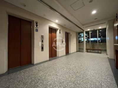 エレベーターは非常用併せて4基ございます オーナーチェンジ物件 月額賃料:200,000円  想定年収:2,400,000円  表面利回り:4.80%