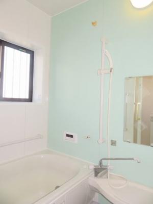 【浴室】鈴鹿市東江島町