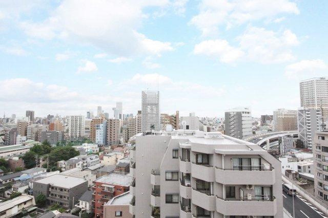 14階建て14階部分、南西向きにつき陽当り・通風・眺望良好