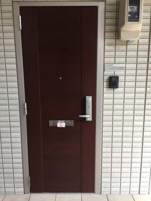 【玄関】ブランズ魚津A