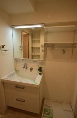 昭和町グリーンハイツの洗面台です。