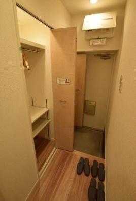 昭和町グリーンハイツの玄関です。