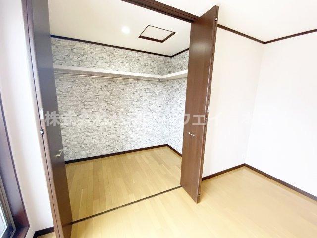 主寝室収納 通常より大きめです。収納力バツグン