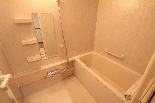 広々とした浴室で一日の疲れもサッパリ洗い流せます!大きめの浴槽はゆったりおくつろぎ頂けます♪