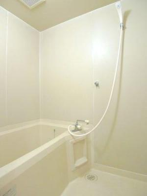 清潔感のあるお風呂です♪