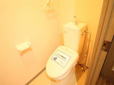 便利な棚付きトイレ☆