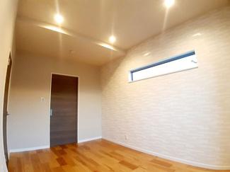 複層ガラスを採用しております、結露になりにくくお部屋の温度を快適に保ちます。カビの抑制になるので、室内の空気はクリーンに。