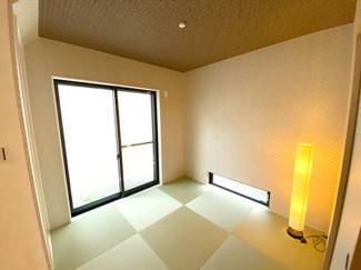 和室は小さいお子様のお昼寝やプレイルームにもぴったり。万が一転倒しても畳がクッション代わりになってくれるのでよちよち歩きの赤ちゃんでも安心です。