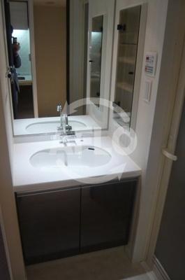 S-RESIDENCE福島Luxe(エスレジデンス福島ラグゼ) 独立洗面化粧台