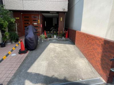 【駐車場】難波千日前OEMマンション