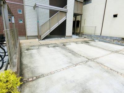 【駐車場】ロイヤルコート湊