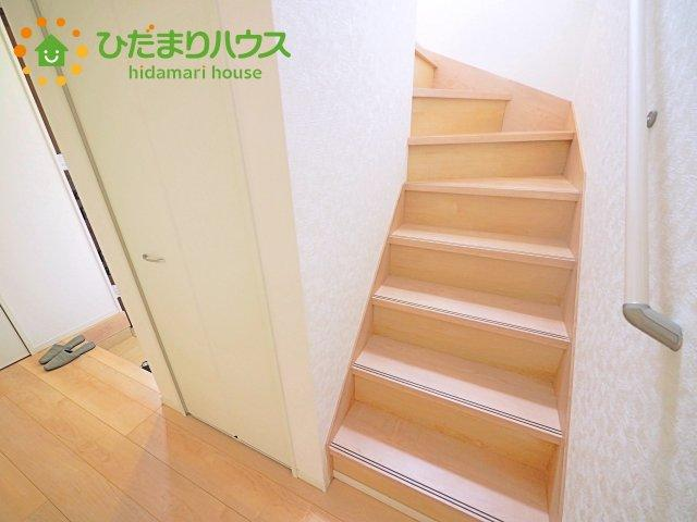 階段には安心の手すり付き(^^♪