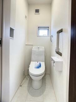 【トイレ】三島市南二日町 新築戸建 全2棟 (1号棟)