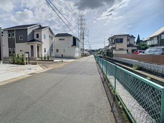 【前面道路含む現地写真】三島市徳倉3丁目 新築戸建 全6棟 (4号棟)