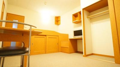 クローゼット以外にも収納スペース多数あり。