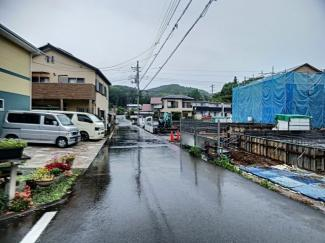 【前面道路含む現地写真】三島市徳倉3丁目 新築戸建 全6棟 (2号棟)
