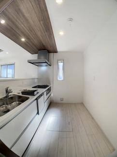 【キッチン】三島市徳倉3丁目 新築戸建 全6棟 (1号棟)