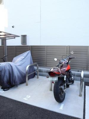 バイク置き場もあります!