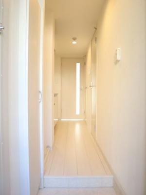 白を基調とした明るい室内です☆彡