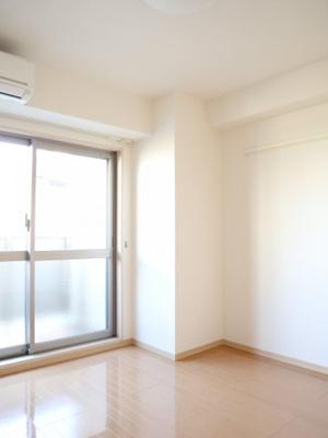 白を基調とした明るいお部屋です!