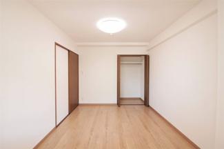 玄関横の洋室6.1帖です♪室内は令和3年5月リフォーム済み!いつでもご覧いただけます♪お気軽にネクストホープ不動産販売までお問い合わせを!!
