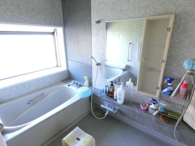 お風呂スペースは1.5坪のスペースがあるのでゆとりがあり広く感じていただけます。