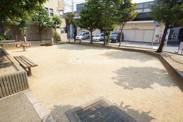 マンション敷地内にゆとりの広場あります♪