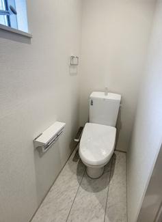 【トイレ】御殿場市竈20-1期 新築戸建 全5棟 (4号棟)