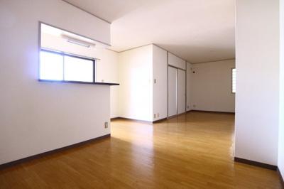 【居間・リビング】クレッセント倶楽部舞子