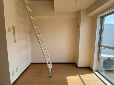 ロフトの階段あります