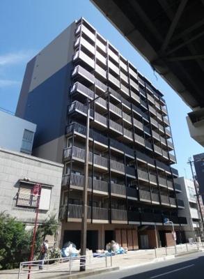 京急東神奈川駅徒歩6分のマンションです。