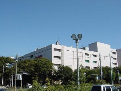 ボンベルタ成田店まで862m