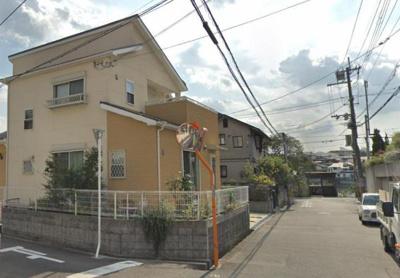 【前面道路含む現地写真】茨木市北春日丘2丁目 中古戸建