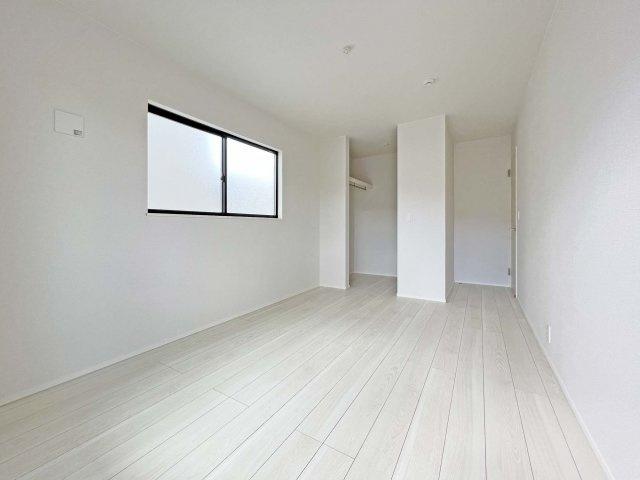 ■制震装置:木造住宅用制震ダンパーを採用 ■耐震:地震に強い耐震金物を採用