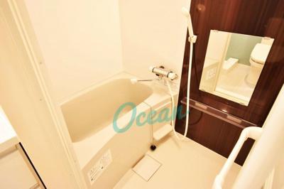浴室乾燥機能付きのバス・ルーム!おしゃれなアクセントクロス♪※同一仕様写真