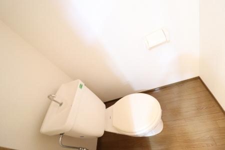 B102 トイレ