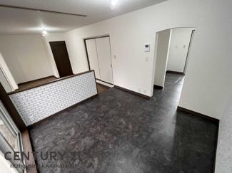 ■ハウスメーカー施工の軽量鉄骨造 ■南東×南西の角地 ■室内改装済