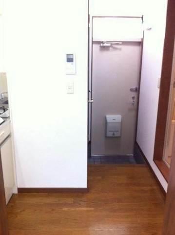 玄関方面です