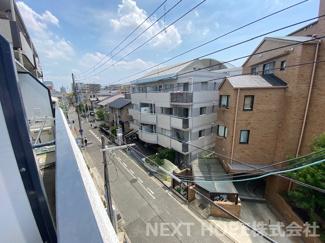 バルコニーからの眺望です♪住宅街です!