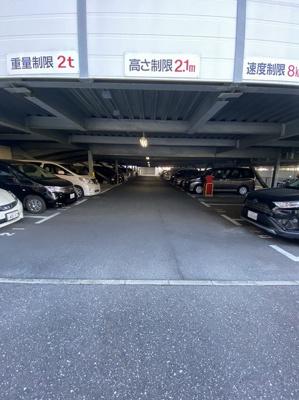 【駐車場】ルネ高槻 ㈱Roots