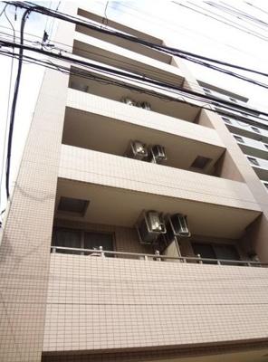 「外壁タイル貼のマンションです」