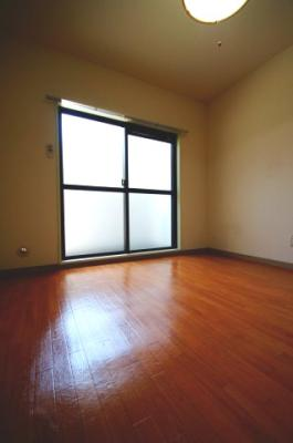 「クッションフロアのお部屋です」