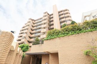 【グランドール伊丹緑ヶ丘公園】地上9階地下1階建 総戸数53戸 ご紹介のお部屋は5階部分です♪
