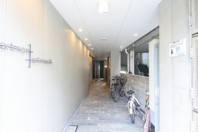 【エントランス】アパートメント谷町