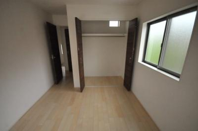 宝塚市米谷1丁目 新築一戸建て 同一仕様例写真です。実際とは色・柄等が異なります。